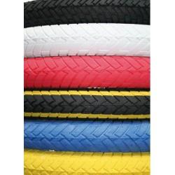 pneu 20 pouces rouge